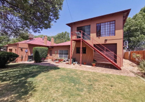 43 Sneddon Street,Gauteng,3 Bedrooms Bedrooms,2 BathroomsBathrooms,Residential Properties,Sneddon Street,1145