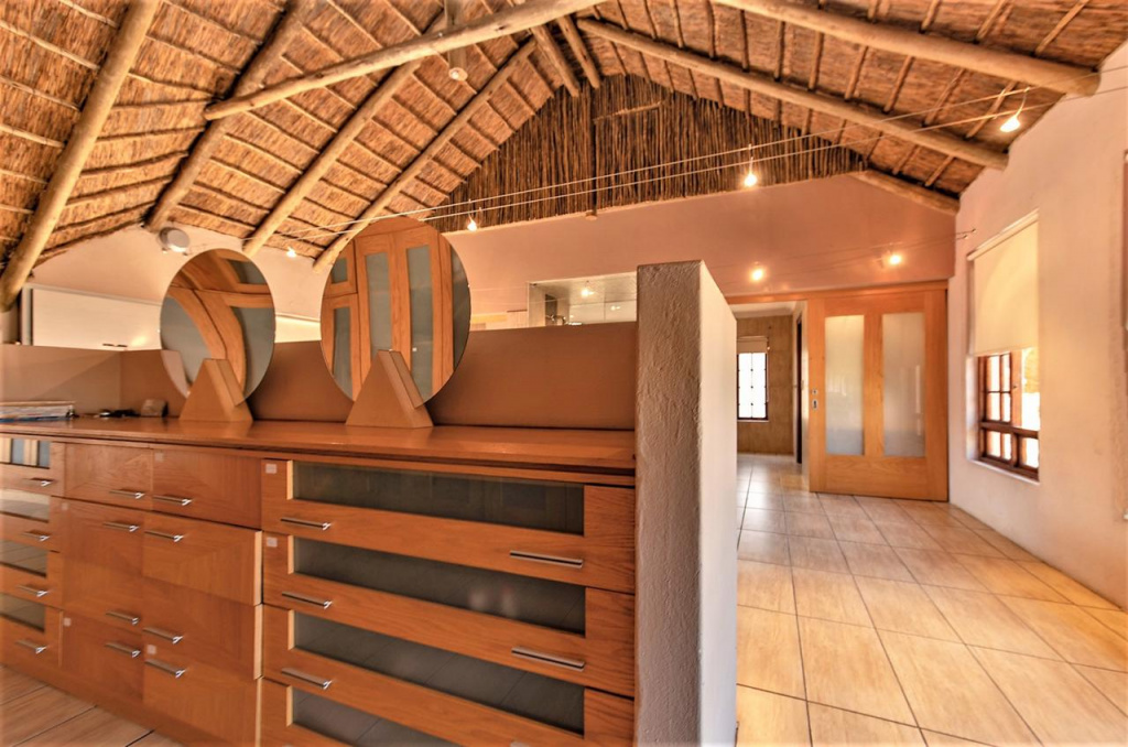 125 Hampton Court Road,Gauteng,Agricultural Properties,Hampton Court Road,1298