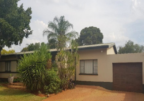 233 Pongola Avenue,Gauteng,2 Bedrooms Bedrooms,2 BathroomsBathrooms,Residential Properties,Pongola Avenue,1086